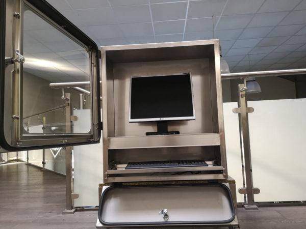 Armoire informatique inox pour protéger les ordinateurs de l'eau, de la poussière...